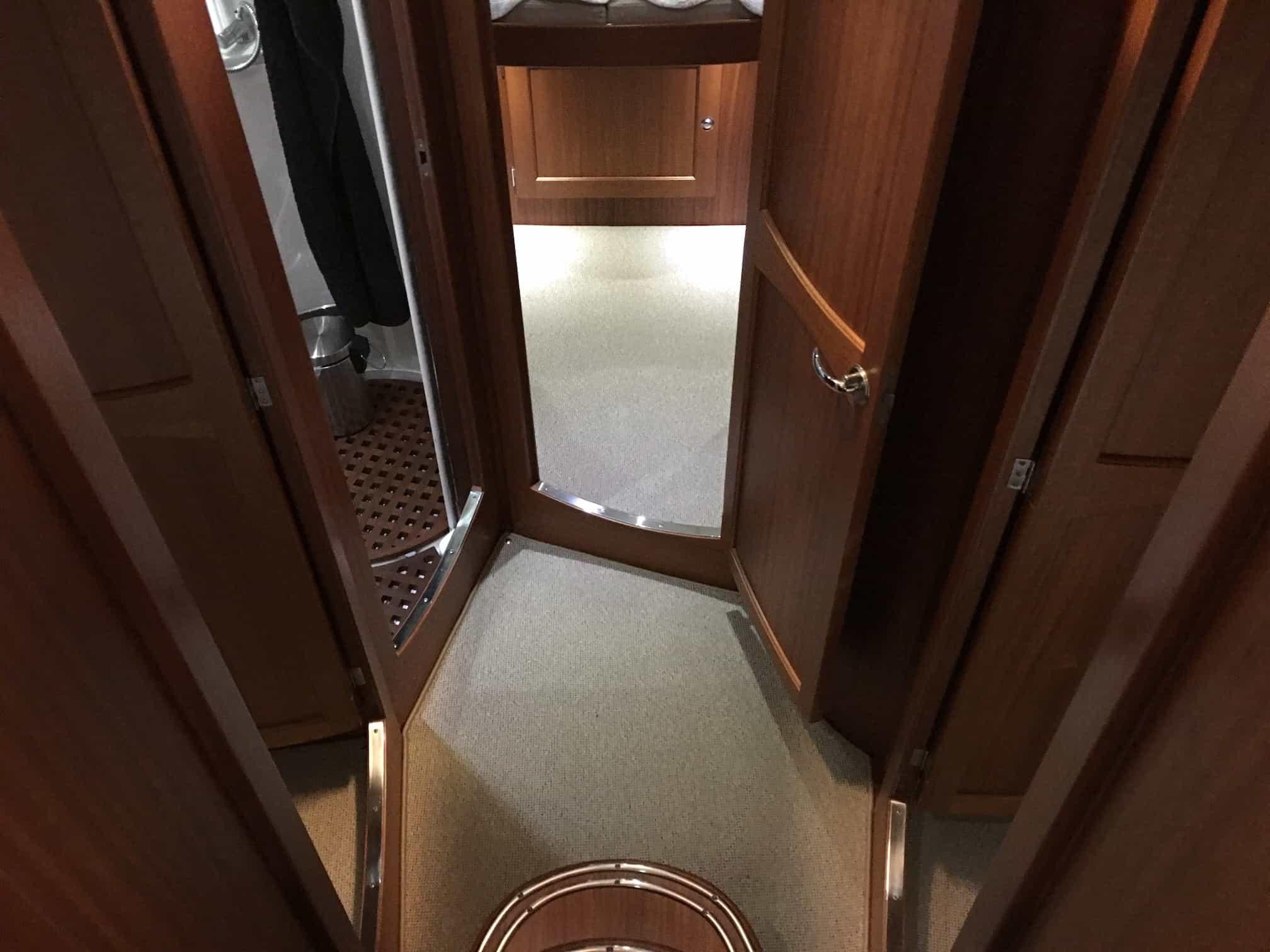Nordvest 420 - kantsyede tæpper i båd - tæpper med kant #1